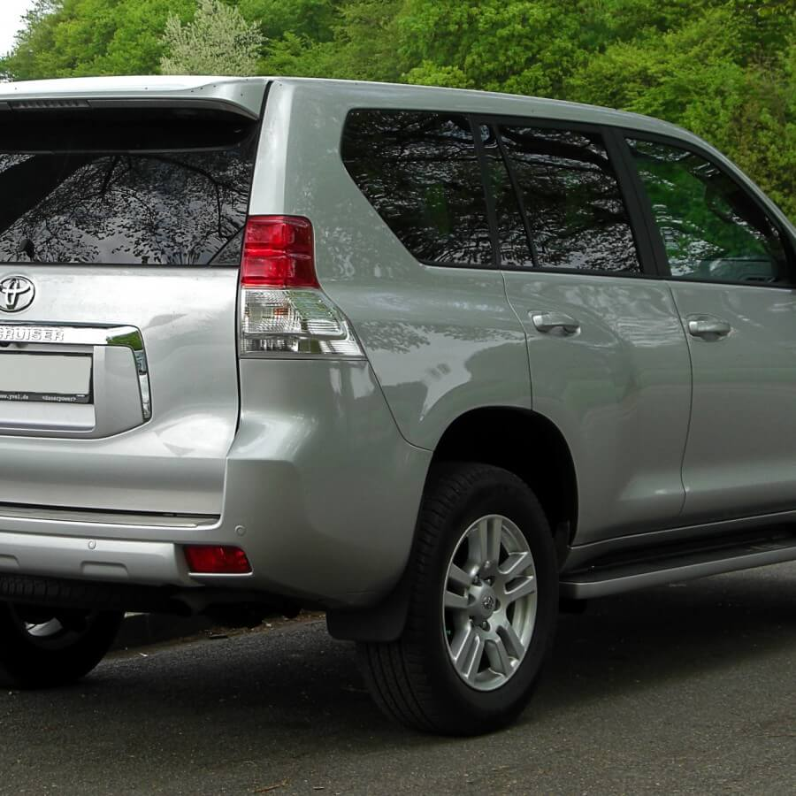 Toyota Land Cruiser J15 Heckansicht 17 April 2011